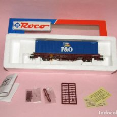 Trenes Escala: VAGÓN TELEROS RENFE CON CONTENEDOR P&O EN ESC. *H0* REF. 47093.1 DE ROCO. Lote 271154873