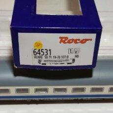 Comboios Escala: ROCO COCHE PASAJEROS 2ªCLASE RENFE REF: 64531 ESCALA H0 DIGITAL. Lote 276098538