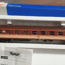 Trenes Escala: VAGÓN RENFE PASAJEROS 1ª CLASE ROCO PROFESSIONAL H0. NUEVO A ESTRENAR CON SU CAJA. REF.44278. Lote 278592618