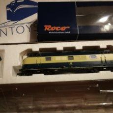 Trenes Escala: LOCOMOTORA ROCO 62842 DB 221 143-1. Lote 287985953