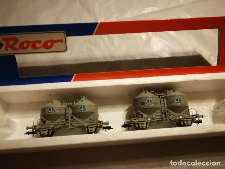 ESTUCHE 2 VAGONES SILOS, CAJA ERRONEA (Juguetes - Trenes a Escala H0 - Roco H0)