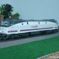 Trenes Escala: ROCO LOCOMOTORA 333 RENFE MERCANCIAS, CORRIENTE CONTÍNUA, HO, SIN CAJA ORIGINAL. ENVO GRATIS.. Lote 294971633