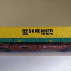 Trenes Escala: ROCO H0 VAGÓN TRANSNOVA CON UNA GABARRA DE SCHENKER, DE LA DB, REFERENCIA 46356. VAGÓN METÁLICO.. Lote 296021048