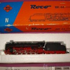 Trenes Escala: LOCOMOTORA A VAPOR CON TENDER BR 44 TIPO 150 DE LA DRG ESCALA *N* DE ROCO . AÑO 1980S. Lote 37305545
