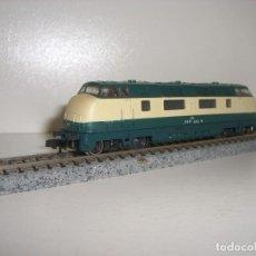 Trenes Escala: ROCO N LOCOMOTORA DIESEL BR 220 REF 23430 (CON COMPRA 5 LOTES O MAS ENVÍO GRATIS). Lote 105469547