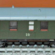 Trenes Escala: COCHE DE VIAJEROS DE 3ª CLASE CON BALCONCILLOS DE LA DR DE ROCO. ESCALA N. Lote 121284759