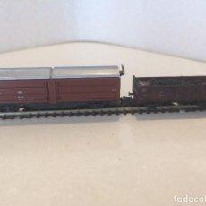 Trenes Escala: ROCO ESCALA N - VAGON BORDE BAJO PATINADO CON CARGA DE CARBON Y VAGON MERCANCIAS . Lote 128961507