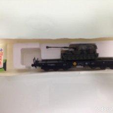 Trenes Escala: TREN, ROCO 925,VAGON PLATAFORMA BOGIES 3 EJES, DB 31 80 486 3 673-8 RIV DB SAMMS, CON ATP OBUS M-109. Lote 143565374