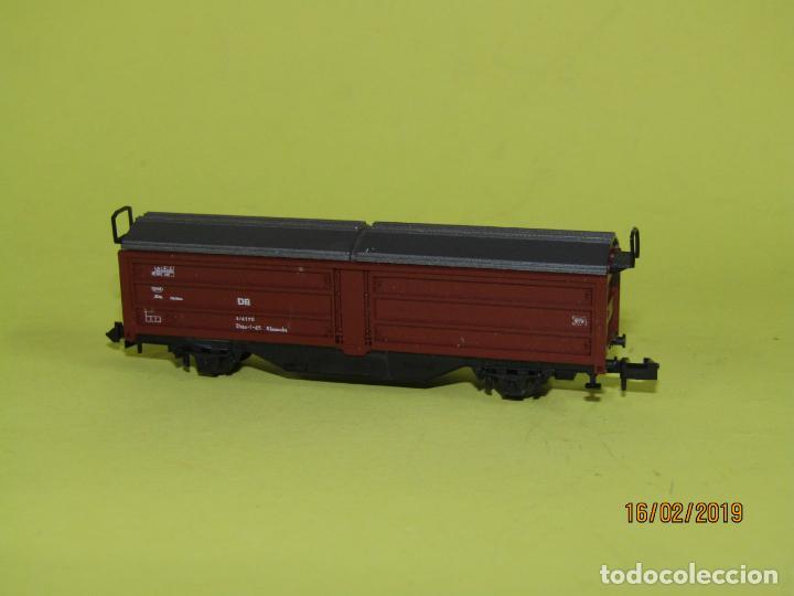 Trenes Escala: Vagón Cerrado Techo Telescópico en Escala *N* Ref. 2304 de ROCO - Foto 2 - 151900102