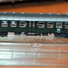 Trenes Escala: COCHE DE VIAJEROS 2ª CLASE 4 EJES DE LA DB. ROCO, REF. 2255. ESCALA N, COMPATIBLE IBERTREN. Lote 170934405