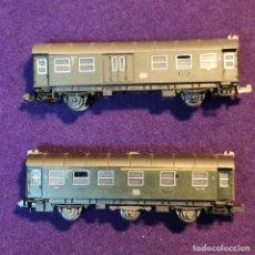 Trenes Escala: 2 VAGONES DE PASAJEROS DIFERENTES. DB. ROCO. ESCALA N. TREN.. Lote 194140451
