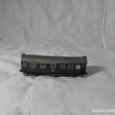 Trenes Escala: VAGÓN PASAJEROS ESCALA N DE ROCO. Lote 206962492