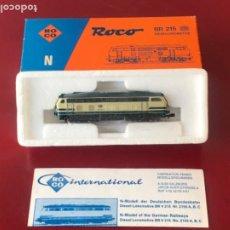 Trains Échelle: LOCOMOTORA DIESEL BR V 215 REF. 2150 C, ROCO ESC. N, ORIGINAL AÑOS 70-80. CON CAJA.. Lote 208224415