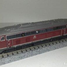 Trenes Escala: ROCO N LOCOMOTORA V 215-016 --- L46-001 (CON COMPRA DE 5 LOTES O MAS, ENVÍO GRATIS). Lote 211799548