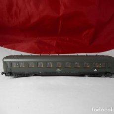 Trenes Escala: VAGÓN PASAJEROS DE LA DB ESCALA N DE ROCO. Lote 221846190