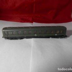 Trenes Escala: VAGÓN PASAJEROS DE LA DB ESCALA N DE ROCO. Lote 221846305
