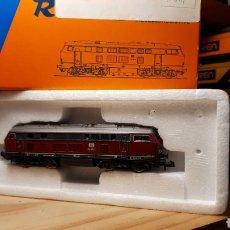 Trains Échelle: ROCO BR 215 Y VAGON LIMPIAVIAS ROCO. Lote 232201835
