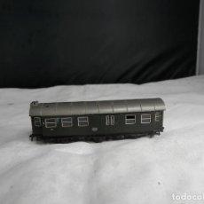 Trains Échelle: VAGÓN PASAJEROS DE LA DB ESCALA N DE ROCO. Lote 235542220
