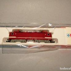 Trenes Escala: LOCOMOTORA ELÉCTRICA BR 143 DR EN ESCALA *N* DE ROCO. Lote 252163945