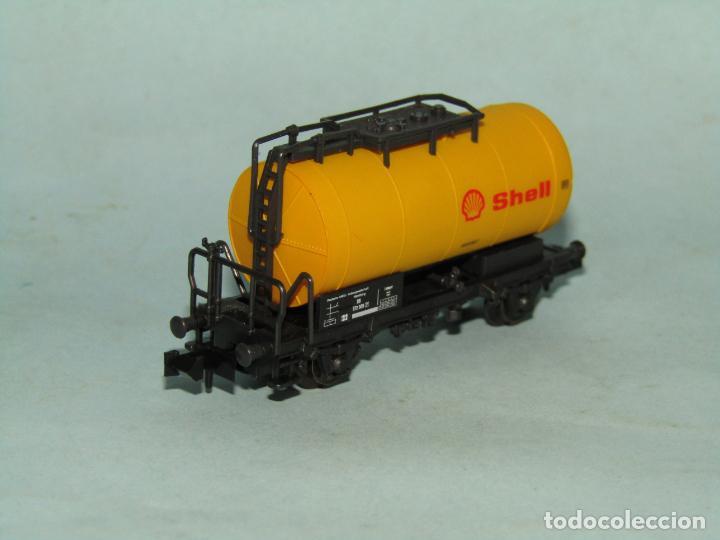 Trenes Escala: Vagón Cisterna SHELL de la DB en Escala *N* de ROCO - Foto 7 - 257486635