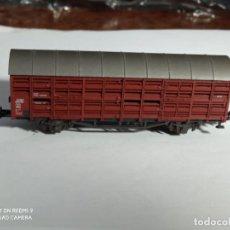 Trenes Escala: VAGÓN CERRADO ESCALA N DE ROCO. Lote 262181600