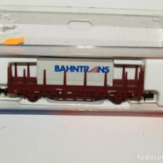 Trenes Escala: VAGÓN TELEROS CON CONTENEDOR BAHNTRANS EN ESCALA *N* DE ROCO. Lote 273467808