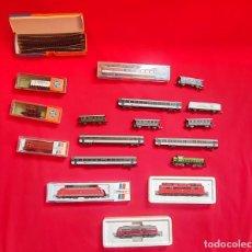 Trains Échelle: LOTE DE 4 LOCOMOTORA Y VAGONES ROCO SIN ESTRENAR .TAL CUAL COMO SE VE EN FOTOS. Lote 287264873