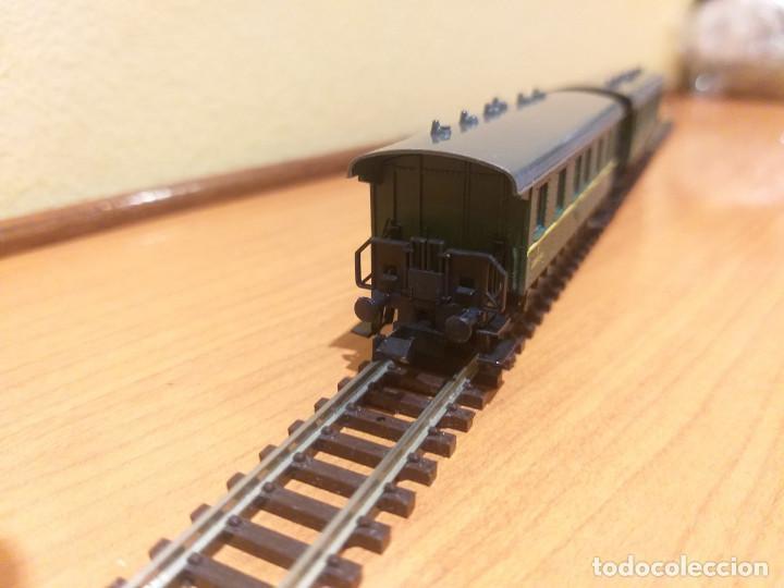 Trenes Escala: Pareja de coches de viajeros de 2 ejes. Antiguos. Marca ROCO. - Foto 3 - 289645488