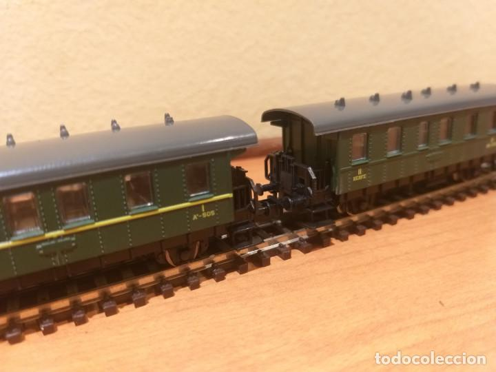 Trenes Escala: Pareja de coches de viajeros de 2 ejes. Antiguos. Marca ROCO. - Foto 4 - 289645488