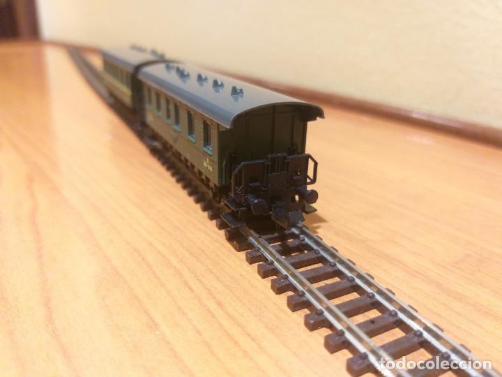 Trenes Escala: Pareja de coches de viajeros de 2 ejes. Antiguos. Marca ROCO. - Foto 5 - 289645488