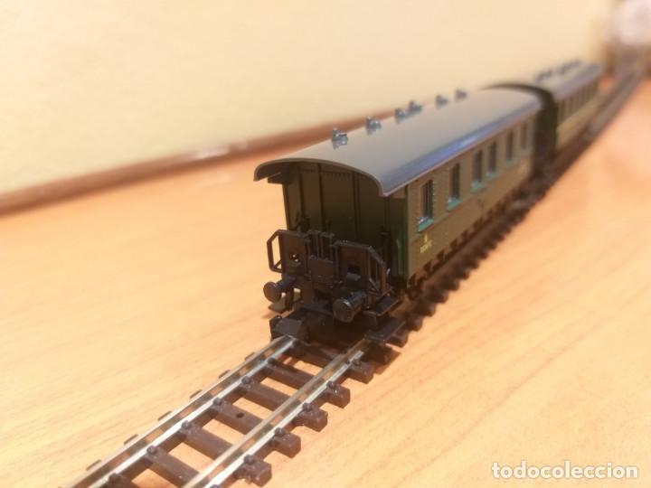 Trenes Escala: Pareja de coches de viajeros de 2 ejes. Antiguos. Marca ROCO. - Foto 9 - 289645488