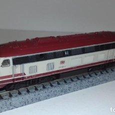 Trenes Escala: ROCO N LOCOMOTORA DIÉSEL BR 215 033 -- L50-152 (CON COMPRA DE 5 LOTES O MAS, ENVÍO GRATIS). Lote 292259928