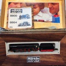 Trenes Escala: MARKLIN ESCALA Z LOCOMOTORA MÁQUINA CON TENDER Y LUZ REF.8827. Lote 96997287