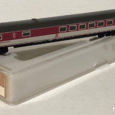 Trenes Escala: MARKLIN VAGÓN DE PASAJEROS 'COCHE RESTAURANTE ROJO/BEIGE DB TREN EXPRESO', REFERENCIA 8723 ESCALA Z. Lote 168671340