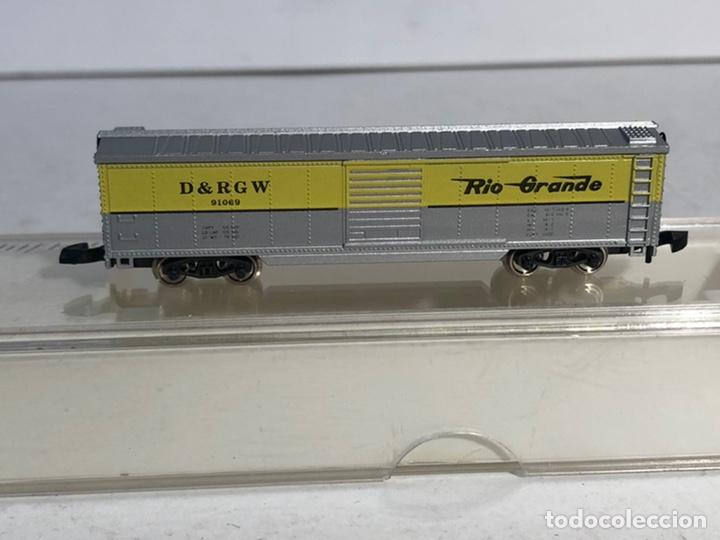 Trenes Escala: MARKLIN MINI CLUB VAGÓN MERCANCÍAS CERRADO USA BOGIES RIO GRANDE 8677 ESCALA Z. NUEVO - Foto 2 - 194372498