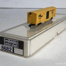 Trenes Escala: MARKLIN MINI CLUB VAGÓN MERCANCÍAS CERRADO USA BOGIES RAIL BOX 8682 ESCALA Z. NUEVO. Lote 194373290