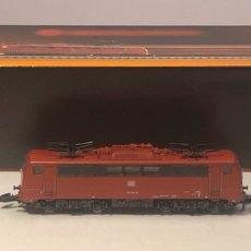 Trenes Escala: MARKLIN LOCOMOTORA ELÉCTRICA DB BR 111, BO' BO'. ROJA REFERENCIA 8843 ESCALA Z. Lote 201268212