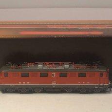 Trenes Escala: MARKLIN LOCOMOTORA ELÉCTRICA SBB, 2'C1'. ROJA REFERENCIA 8849 ESCALA Z. Lote 201268340