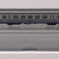 Trenes Escala: MARKLIN MINI CLUB VAGÓN PASAJEROS COCHES 2ª EQUIPAJE Y LUCES COLA CABINA PLATA DB 8718 Z. NUEVO. Lote 211894917