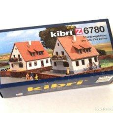Trenes Escala: KIBRI Z 6780 • DOS CASAS ESTILO AÑOS '30 • ESCALA Z (KITS MODELO FERROVIARIO 4 X 4,5 X 4 CM). Lote 270961808