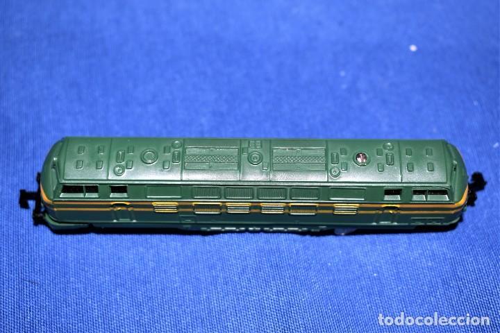 Trenes Escala: Locomotora Diesel B.B. RENFE Ref.016 de IBERTREN 3N - Foto 5 - 288457183