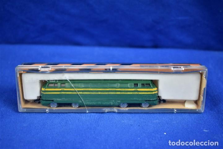 Trenes Escala: Locomotora Diesel B.B. RENFE Ref.016 de IBERTREN 3N - Foto 7 - 288457183
