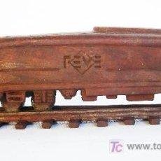 Trenes Escala: ESCULTURA EN BRONCE DE UNA MÁQUINA DE FEVE, MODELO 2600.. Lote 49188807