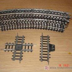 Trenes Escala: 11 TRAMOS DE VIA CURVOS UN CRUCE Y UN TRAMO CONECTOR - JYCSA. Lote 19940637