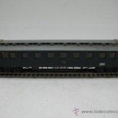Trenes Escala: VAGON DE VIAJEROS DR 18432 -ESCALA H0-. Lote 27926974