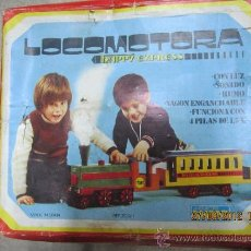 Trenes Escala: BONITA LOCOMOTORA DE MADERA CON SU VAGON DE (RICART). Lote 33434181