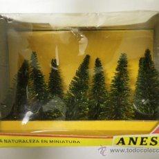 Trenes Escala: ANESTE, CAJA DE 8 ARBOLES PARA MAQUETAS, REF. 560. Lote 34484187