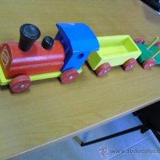 Trenes Escala: TREN DE MADERA HEROS, MAQUINA Y DOS VAGONES,. Lote 35443382