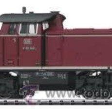 Trenes Escala: TRIX DIGITAL ESCALA H0 1/87 REF 22290 LOCOMOTORA DIESEL V90 046 DIGITAL DCC EPOCA III TELEX NUEVA. Lote 49658333