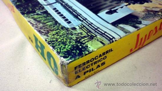 Trenes Escala: TREN ELECTRICO A PILA, LOCOMOTORA MANIOBRAS, Y 3 VAGONES, ESCALA H0, FABRICADO POR JYESA, Nº 1945 - Foto 12 - 38532154